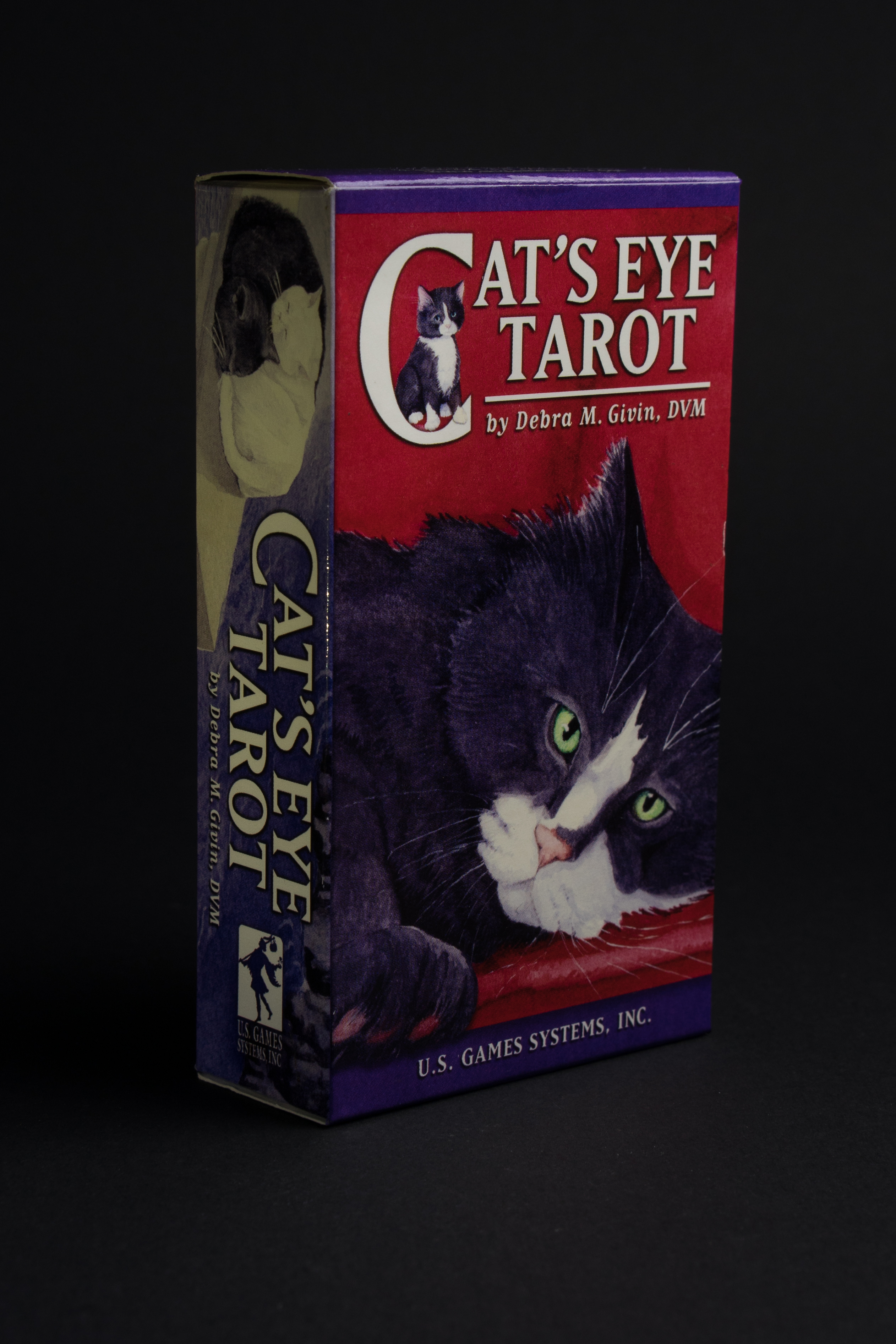 Тази колода таро, представлява езикът на котките.